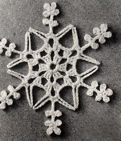 ★ how to crochet a snowflake star