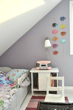 girl's bedroom idea. Wall color