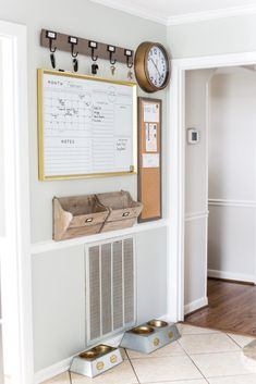20 Creative DIY Wall Decor Ideas for Your Blank Walls