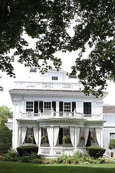 Martha's Vineyard Gorgeous Porch