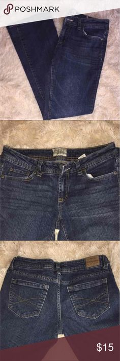 Aéropostale Chelsea Bootcut 5/6 Regular Aéropostale Chelsea Bootcut 5/6 Regular  Excellent Condition  Factory flaw in stitching on left inside seam. Not noticeable unless you're looking for it Aeropostale Jeans Boot Cut