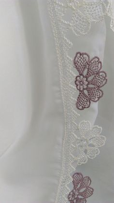 This Pin was discovered by İfa Needle Lace, Lace Collar, Tatting, Knots, Needlework, Diy And Crafts, Embroidery, Eminem, Istanbul