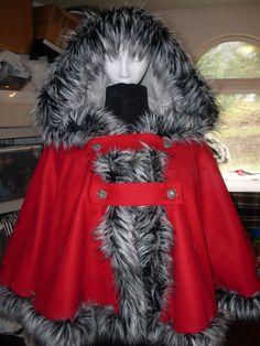 Red riding hood~ Wool cape with wolf head buttons and 'wolf' fur trim (fake fur)