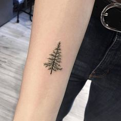 "11.4 k mentions J'aime, 25 commentaires - tiny tattoos (small tattoos) ⤴ (@tiny.tatts) sur Instagram : "" That's so cute  ⚊⚊⚊⚊⚊⚊⚊⚊⚊⚊⚊⚊⚋ ☛owner: @giulia_eightlines Follow↪ @tiny.tatts Follow↪ @tiny.tatts…"""
