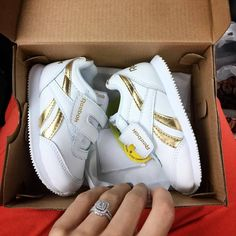 Cute Baby Shoes, Baby Boy Shoes, Cute Boots, Cute Baby Clothes, Toddler Shoes, Kid Shoes, Girls Shoes, Toddler Fashion, Kids Fashion