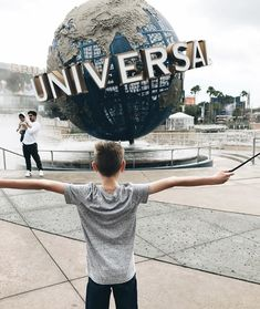 The Best Attractions for Non-Riders at Universal Orlando Resort! | How Does She #howdoesshe #universalorlando #familytravel #vacation #travels