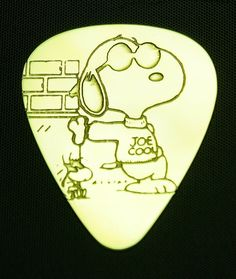 "Snoopy ""Joe Cool"" brass guitar pick by Coleman Custom Picks. Guitar Tabs, Music Guitar, Playing Guitar, Violin, Music Music, Music Stuff, Guitar Girl, Cool Guitar Picks, Best Guitar Players"