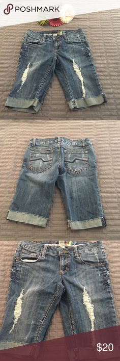 🌴SALE🌴Mudd Bermuda Jean Shorts Distressed look Bermuda shorts. Lighter blue in color. Only worn a couple times. In good condition. Mudd Shorts Bermudas