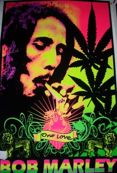 This site contains all the famous quotes of Bob Marley. These bob marley quotes have made impact on many and hope it would inspire many other. Bob Marley Kunst, Arte Bob Marley, Marijuana Art, Marijuana Funny, Cheech Y Chong, Frases Reggae, Bob Marley Smoking, Bob Marley Pictures, Psychedelic Art