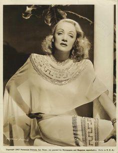 """MARLENE DIETRICH in """"Blonde Venus"""" Original Vintage PORTRAIT - Re-Release 1947"""