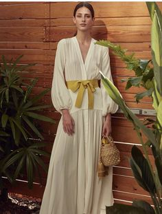 Get inspired and discover Silvia Tcherassi trunkshow! Shop the latest Silvia Tcherassi collection at Moda Operandi. Blair Waldorf Estilo, Silk Dress, The Dress, Silk Maxi Dresses, Summer Outfits, Summer Dresses, Fashion 2020, Fashion Jobs, Fashion Websites