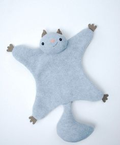 How cute is this flying squirrel softie! He was designed Abby Glassenberg from While She Naps, and she shares a free pattern at Wild Olive for making him.Get these 30 free stuffed animal patterns with tutorials and get sewing! Stuffed animals can be Animal Sewing Patterns, Sewing Patterns Free, Free Sewing, Free Pattern, Bat Pattern, Kids Patterns, Sewing Stuffed Animals, Stuffed Animal Patterns, Sock Stuffed Animals