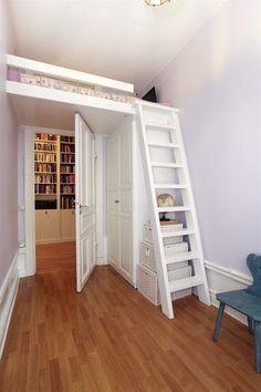 Bedroom with loft bed – # loft bed # with # bedroom idea altba … - Modern Mezzanine Loft, Mezzanine Bedroom, Bedroom Loft, Dream Bedroom, Bedroom Decor, Small Room Bedroom, Small Rooms, Kids Bedroom, Girl Bedroom Designs