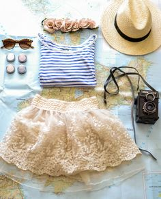 The perfect tourist outfit for visiting foreign countries!