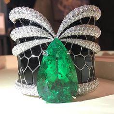 2,486 отметок «Нравится», 26 комментариев — MM❤️MITRA (@mm_diamondsjewellers) в Instagram: «Amazing Cuff @jacobandco via @theiofj !! #sihh2017 #highjewelry #finejewelry #hautejoaillerie #art…»