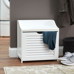 Small enough to fit in narrow spaces, but large enough to offer comfortable seating, the Mini Hamper is ideal if you're living in a small apartment. It's also great for the kid's room or if you need a little extra seating in the entryway.