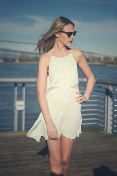 SUNSETCITY is Canada's favourite new online clothing boutique! The best fashions and styles in Canada are all here, with quick, cheap shipping to all provinces.