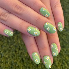 Get all the inspiration you need for nails designs for this spring season right here! Check out this post that contains 20+ gorgeous nail art designs. The post contains everything from acrylic nails to gel nails, pastel and bold colors! #nails #nailart #acrylicnails #gelnails #summernails #springnails #naildesign Nagellack Design, Nagellack Trends, Cute Gel Nails, Funky Nails, Clear Gel Nails, Short Gel Nails, Best Acrylic Nails, Acrylic Nail Designs, Acrylic Nails Pastel