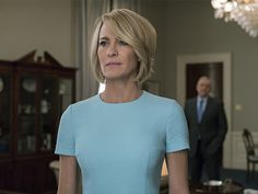 """Robin Wright dans le rôle de Claire Underwood dans """"House of Cards"""" Frank Underwood, Claire Underwood Style, Clare Underwood, Kevin Spacey, Gary Oldman, Jessica Chastain, Robin Wright Haircut, House Of Cards Season 5, Mi Long"""