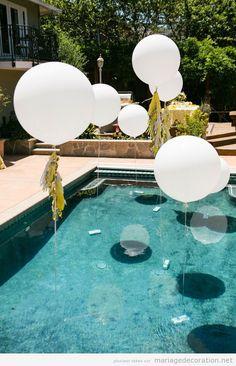 Idées décorer mariage avec des ballons de hélium piscine
