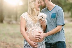 Flagstaff forest maternity session with an adorable tiny dog! www.courtneysargent.com