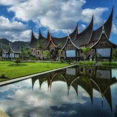 """SUMATRA ISLAND on Instagram: """"#exploresumatra photo today by @dhannikonart taken at Minangkabau.. West Sumatera - Indonesia #travelingindonesia"""""""