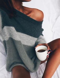Can't go wrong with a cozy thick knit jumper and a hot mug of tea in the winter :* | theapresgal