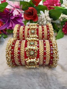 Indian Bridal Jewelry Sets, Indian Jewelry Earrings, Bridal Bangles, Fancy Jewellery, Bridal Accessories, Bridal Jewellery, Thread Bangles Design, Silk Thread Bangles, Diy Gift For Bff