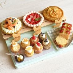 久々にヤフオク用に作りました。田舎の小さなケーキ屋さん、というようなイメージです( ´ ▽ ` )タイトルは何にしようかな……