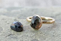 OOAK black sapphire engagement ring with hammered 14k gold by TheSpiralRiver, $599.00 #september #mystery