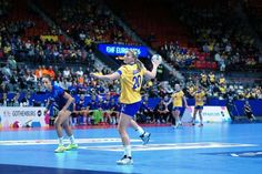 Handball EM 2016: Isabelle Gullden. Frankreich schlug Schweden. - Foto: Peter Jansen Daily News, Basketball Court, Monat, Top, Sport, France, Poland, Lace, Colors