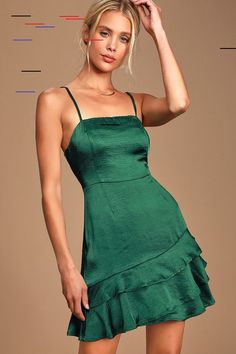 Make the most of the night in the Lulus Dreams Come True Emerald Green Satin Ruffled Mini Dress! Satin mini dress with a straight neckline and flouncy mini hem. Green Homecoming Dresses, Green Formal Dresses, Hoco Dresses, Necklines For Dresses, Satin Dresses, Green Mini Dresses, Ruffled Dresses, Prom, Green Satin Dress