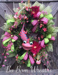 Summer Wreath, Summer Swag, Everyday Wreath, A Lizard Greeting Spring Wreaths, Summer Wreath, 4th Of July Wreath, Christmas Wreaths, Wreath Crafts, Wreath Ideas, Diy Crafts, Deco Wreaths, Burlap Wreaths