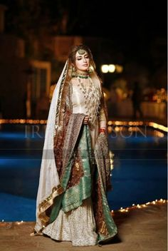 New Pakistan girls Bridal Mehndi Dresses, Walima Dress, Desi Wedding Dresses, Shadi Dresses, Bridal Dress Design, Bridal Outfits, Bridal Lehenga, Pakistani Fashion Party Wear, Pakistani Wedding Dresses