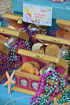 Under the Sea/ Mermaid Party Birthday Party Ideas Unter dem meer / meerjungfrau party geburtstag par Mermaid Theme Birthday, Little Mermaid Birthday, Little Mermaid Parties, Mermaid Party Favors, Gold Birthday, Wine Birthday, Birthday Box, Ballon Party, Party Party