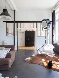 Ancienne école, rénovation contemporaine dans le Perche. Photos Felix Forest via Atelier rue verte