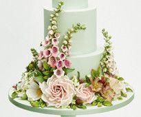 Wedding Cakes magazine, www.squires-shop.com/catalogue/wedding-cakes-magazine