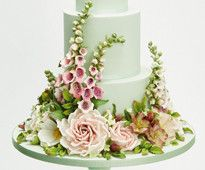 Wedding Cakes magazine, www.squires-shop.com/catalogue/wedding-cakes-magazine