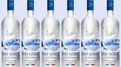 """Bebidas híbridas  Ao que tudo indica, o ano de 2015 será marcado pelas bebidas alcoólicas """"híbridas"""", aquelas feitas em recipientes antes utilizados para fabricar outros tipos de bebidas. Com a intenção de atingir o público jovem, da geração y, as marcas investirão nesse tipo de produto. Um exemplo de lançamento será a Grey Goose VX, bebida que mistura vodca e conhaque."""