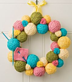 How To Make A Yarn Ball Wreath: I need this for the Broad Room door!