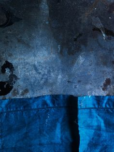 Chris Court Photography cloth and texture, sans food good study of light and color Still Life Photography, Art Photography, Indigo Spirit, Vishuddha Chakra, Blue Willow China, Kind Of Blue, Collor, Color Studies, Blue Aesthetic
