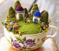 Mini jardines de hadas en tazas