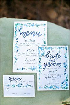 calligraphy invitations by Laura Hooper Calligraphy @weddingchicks
