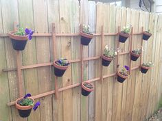 Summits & Sails: DIY backyard verticle planter project Summits & Sails: DIY Hinterhof Verticle P Landscaping Around Deck, Luxury Landscaping, Landscaping With Rocks, Backyard Landscaping, Landscaping Company, Backyard Ideas, Garden Ideas, Verticle Garden, Fenced Vegetable Garden