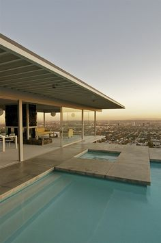 Pierre Koenig, Stahl House - another wonderful view of this, the most spectacular MCM home ever.