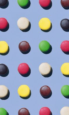This is a pattern between macaroons of different colours and it varies across the photograph. This is very pleasing to my eyes as it's also symmetrical.