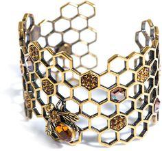 Alexander McQueen Honeycomb-bee topaz cuff