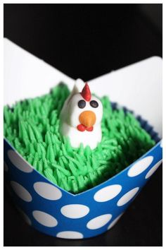 Farm animal party theme - chicken