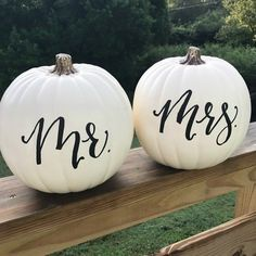 fall wedding cakes We endorse pretty much anything hand lettered, but these pumpkins are so pretty! The simple black calligraphy against white-painted pumpkins is stunning as a decoration for a sweetheart table. White Pumpkins Wedding, Pumpkin Wedding Cakes, Fall Wedding Cakes, Wedding Table, Rustic Wedding, Pumpkin Wedding Decorations, Holiday Wedding Themes, Autumn Wedding, Wedding Favours