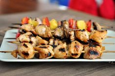 These grilled honey chicken and veggie kebabs are fantastic. Juicy pineapple, tangy red onion, mushroom and flavorful chicken is a seriously stellar combination. Vegetable Skewers, Veggie Skewers, Veggie Food, Food Food, Crockpot Cranberry Chicken Recipe, Chicken Flavors, Chicken Recipes, Chicken And Vegetables, Veggies